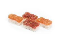 Sushi pressato con tartara di tonno